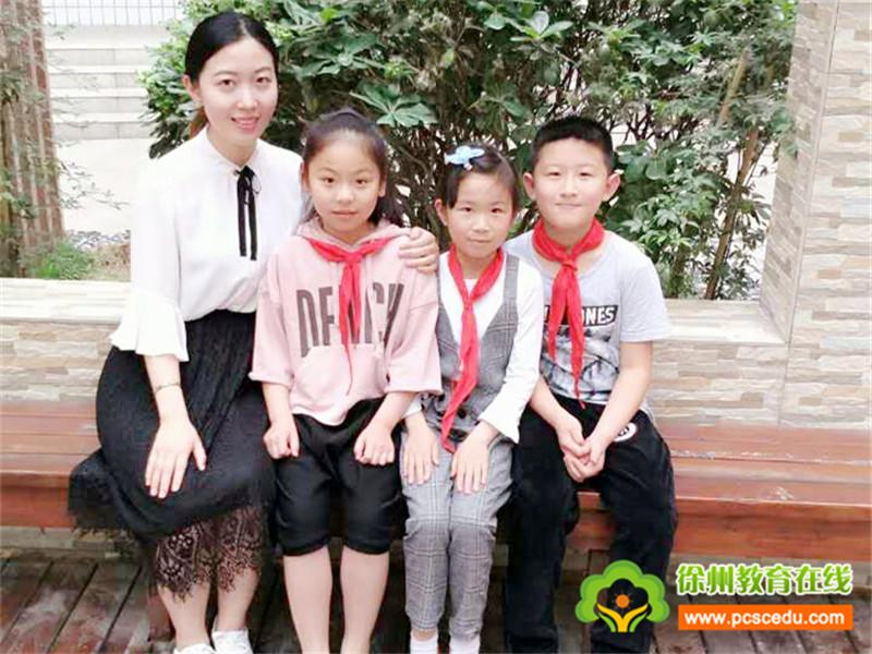 民富园小学评选首届最美教师